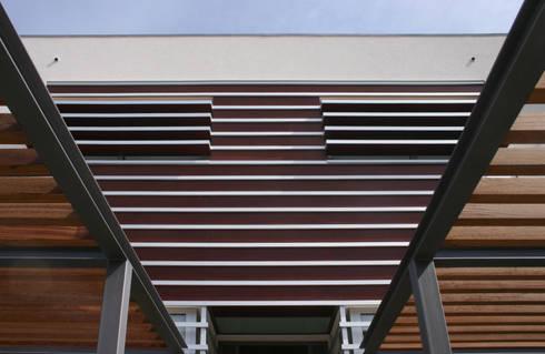 Casa CS_2: Casas modernas por XYZ Arquitectos Associados