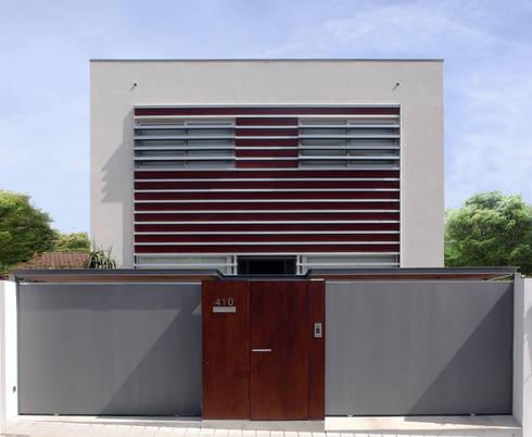 Casa CS_1: Casas modernas por XYZ Arquitectos Associados