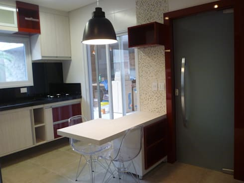 Residência Vale do Paraíba - SP: Cozinhas modernas por ANALU ANDRADE - ARQUITETURA E DESIGN