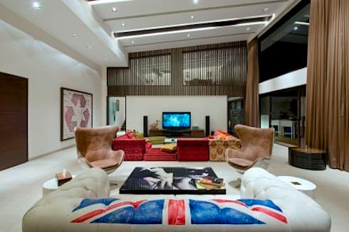 PA Villa : modern Living room by Atelier Design N Domain