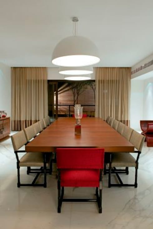 PA Villa : modern Dining room by Atelier Design N Domain