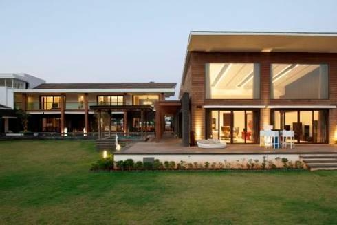 PA Villa : modern Houses by Atelier Design N Domain