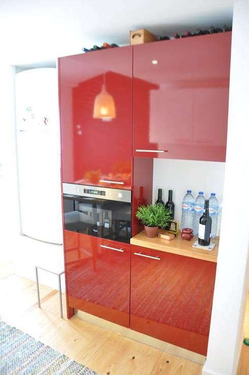 São Bento: Cozinhas modernas por G.R design