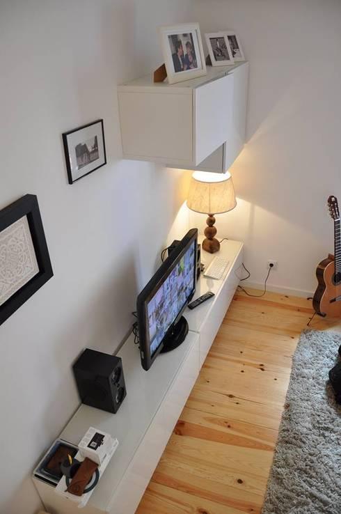 São Bento: Salas de estar modernas por G.R design