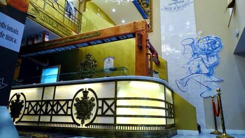 CASA PORTUGUESA DO PASTEL DE BACALHAU: Arte  por Darq2 - Arquitetura e Design