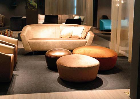 Madalena – Grassoler: Salas de estilo moderno por Riviera