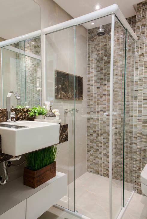 Banheiro do Casal: Banheiros modernos por Estúdio HL - Arquitetura e Interiores