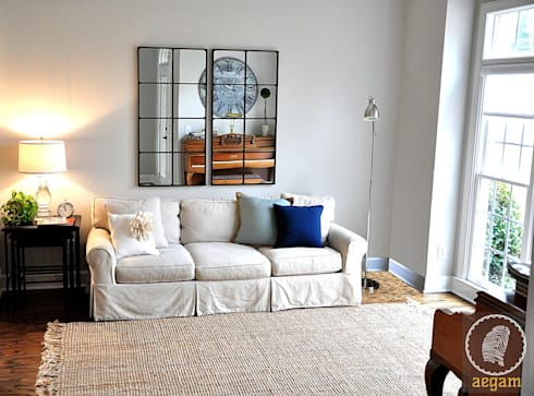 Modern <q>Classic White</q> themed Home :  Corridor & hallway by Aegam