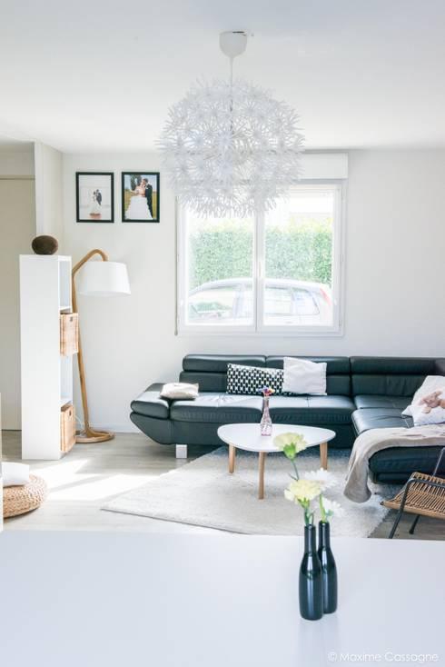 Une pièce à vivre aux airs Scandinaves: Salon de style  par E/P DESIGN - Emilie Peyrille