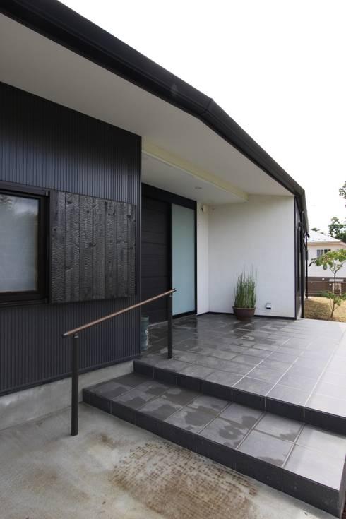 scandinavische Huizen door アトリエグローカル一級建築士事務所
