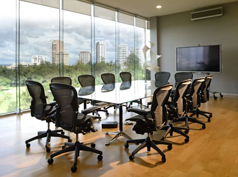 Sala de Juntas: Edificios de Oficinas de estilo  por VICTORIA PLASENCIA INTERIORISMO