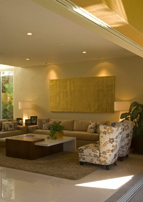 Sala : Salas de estilo moderno por VICTORIA PLASENCIA INTERIORISMO