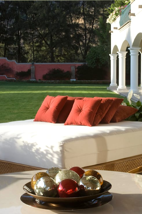Balcon, Veranda & Terrasse de style de style Colonial par VICTORIA PLASENCIA INTERIORISMO