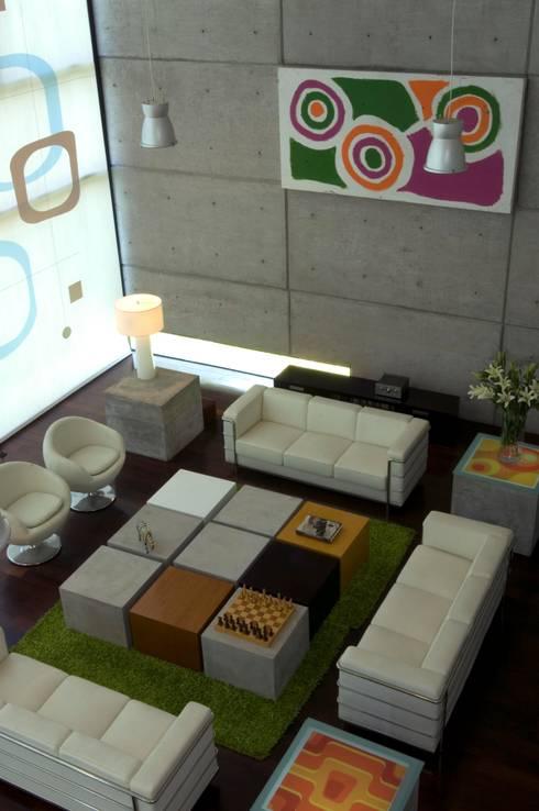 Sala : Salas de estilo minimalista por VICTORIA PLASENCIA INTERIORISMO