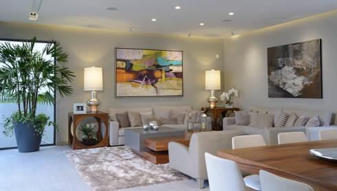 Sala y Comedor: Salas de estilo moderno por VICTORIA PLASENCIA INTERIORISMO