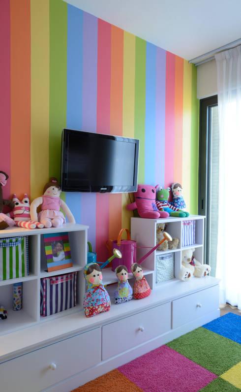 modern Nursery/kid's room by VICTORIA PLASENCIA INTERIORISMO
