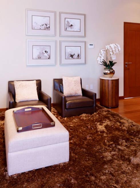 Sala area de Recamara Principal: Salas de estilo moderno por VICTORIA PLASENCIA INTERIORISMO