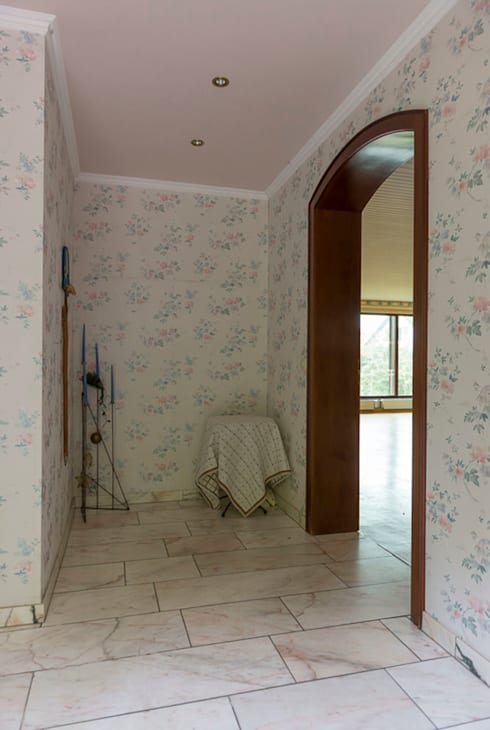 Villa in Alzey:  Flur & Diele von Cornelia Augustin Home Staging