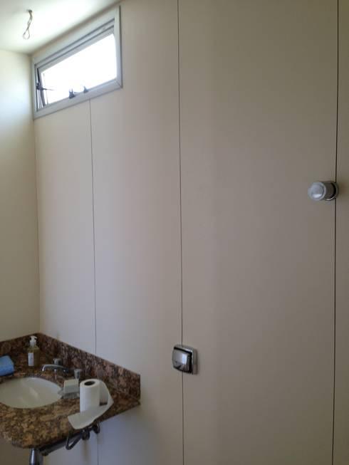 Antes: banheiro simples.:   por Solange Figueiredo - ALLS Arquitetura e engenharia