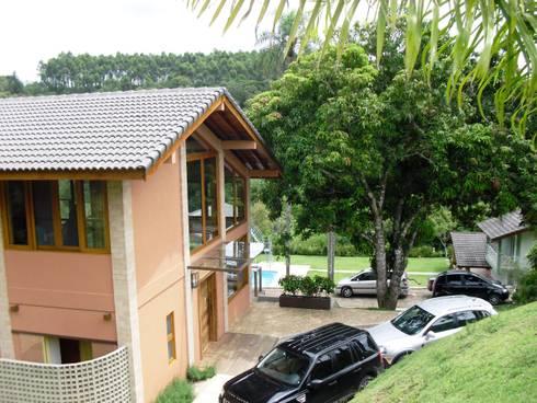 Casa de Campo em Atibaia: Casas campestres por GATE Arquitetos Associados