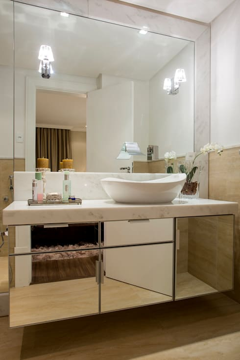 Banheiro: Banheiros clássicos por Priscila Koch Arquitetura + Interiores