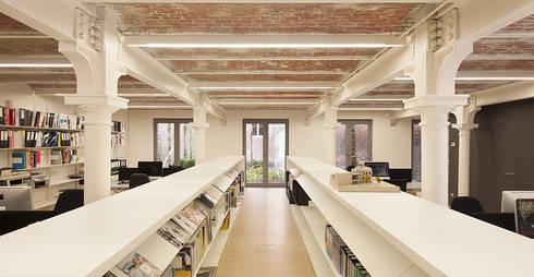Verdick & Verdickt - Antwerp - Bélgica: Escritório  por iduna