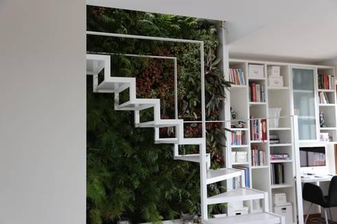 Apartamento Privado (Duplex) Zona do Lumiar/Lisboa – Portugal: Jardins modernos por LC Vertical Gardens
