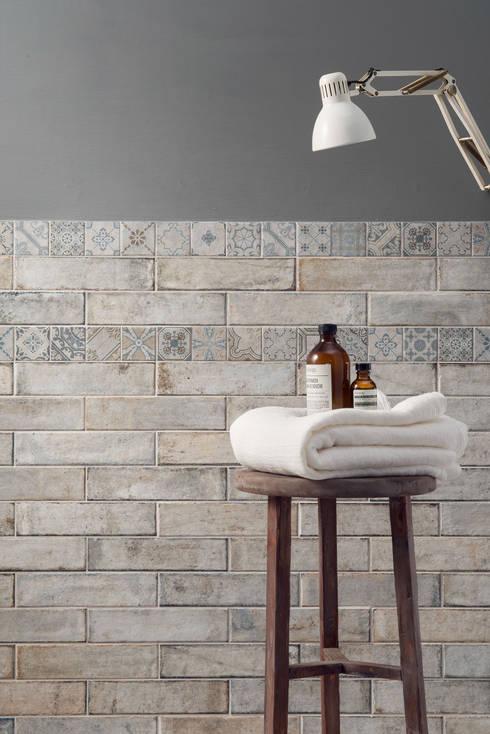 Paredes y pisos de estilo  por Ceramica Sant'Agostino