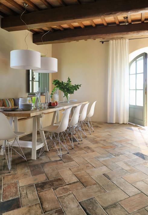 جدران وأرضيات تنفيذ Ceramica Sant'Agostino