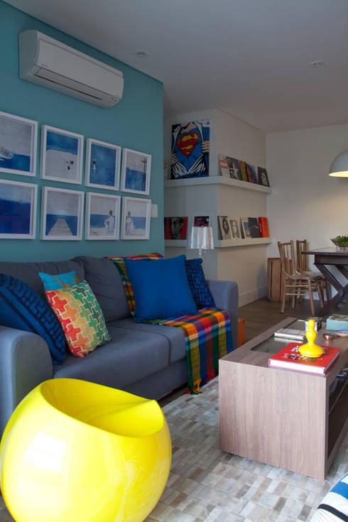 RESIDÊNCIA JO: Salas de estar modernas por UNION Architectural Concept