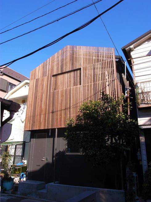 moderne Häuser von 姫松親一郎建築設計事務所