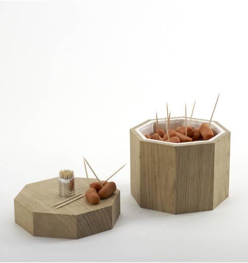 Sunset:  Dining room by AdriAn Blanc Design Studio