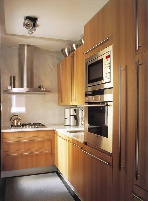 BOH: Cocinas de estilo  de MILLENIUM ARCHITECTURE