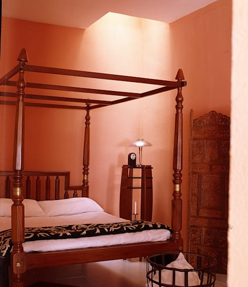 ESTUDIO: Dormitorios de estilo  de MILLENIUM ARCHITECTURE