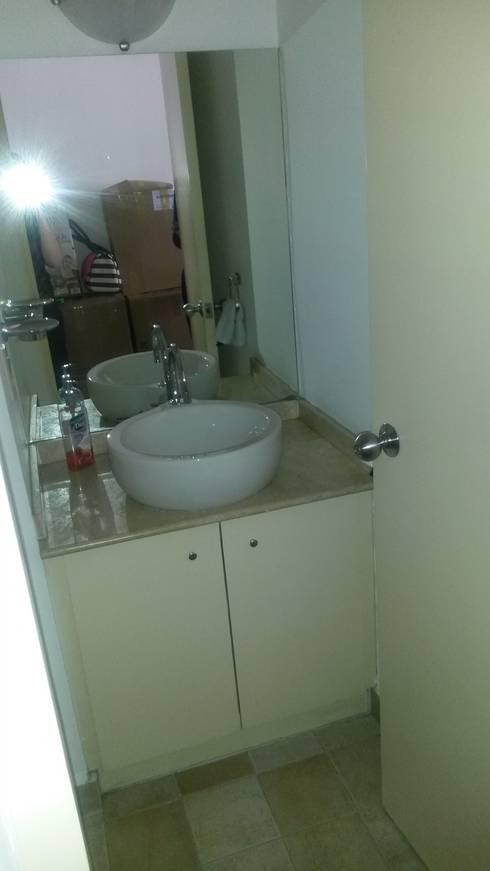 ANTES, Baño visitas:  de estilo  por Purista Interiorismo