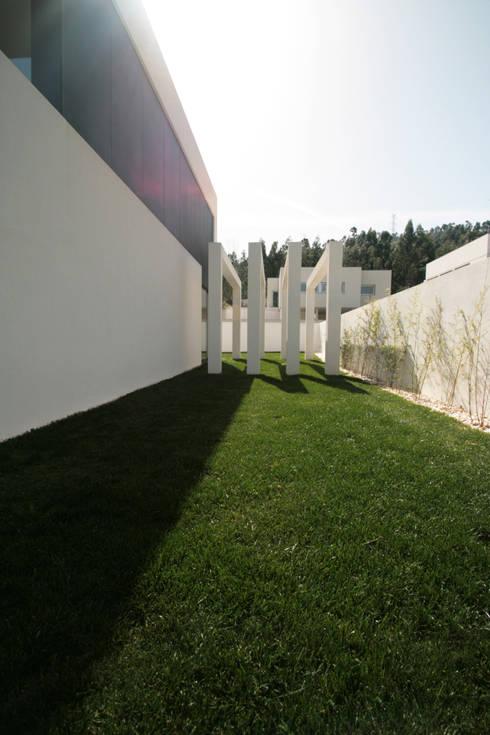 STL_03: Casas modernas por TRAMA arquitetos