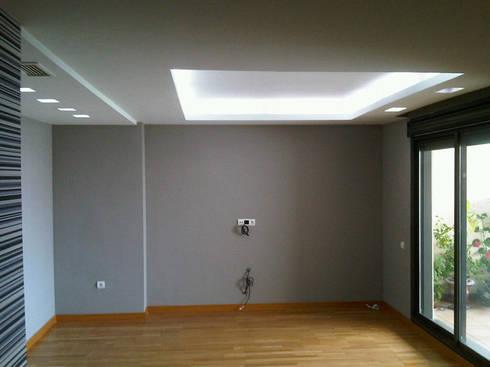 Reforma Dormitorio: Dormitorios de estilo moderno de AZD Diseño Interior