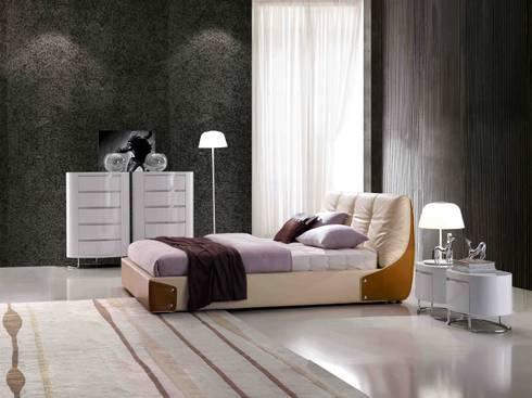 Gllamor Designer Bed: modern Bedroom by Gllamor