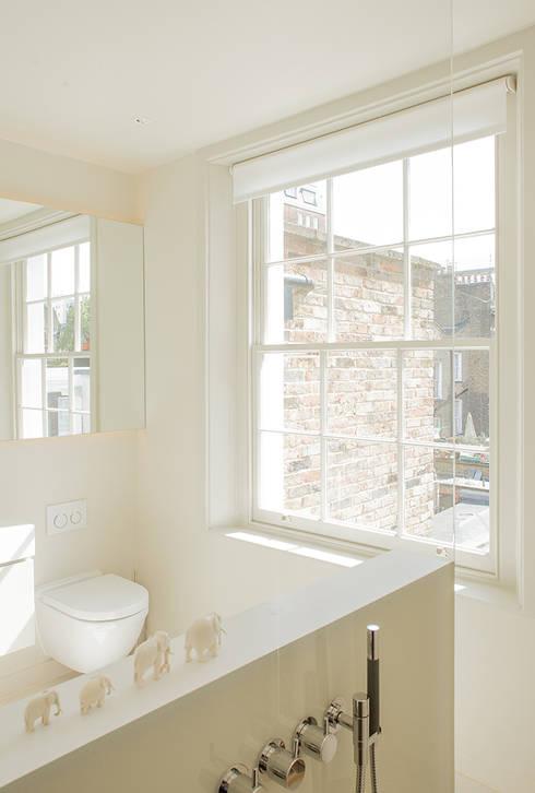 Nash Baker Architects Ltdが手掛けた浴室