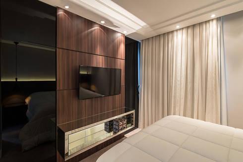 Apartamento em Curitiba – PR.: Quartos  por Saad.Ribeiro Arquitetura e Interiores