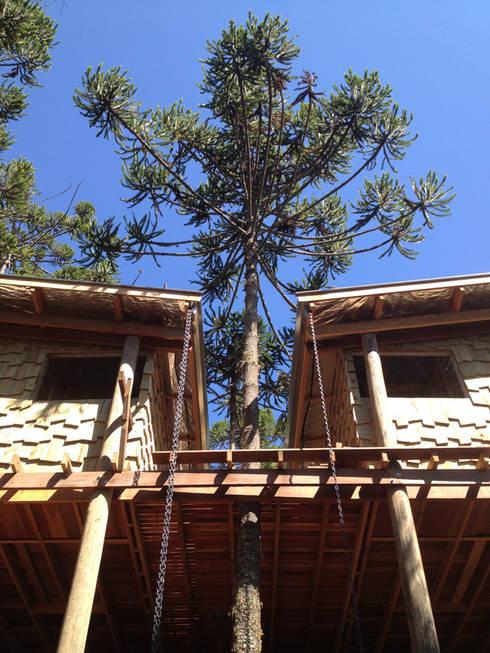 Casa Dois Casais: Casas rústicas por Cabana Arquitetos