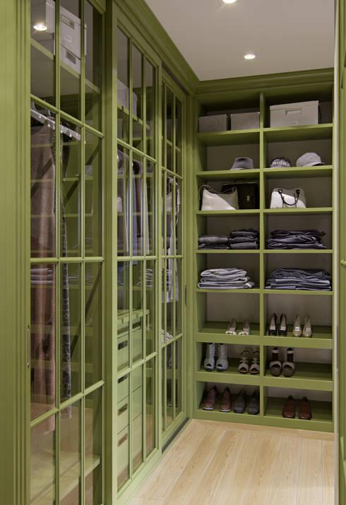 Квартира в ЖК Янтарный Город: Гардеробные в . Автор – MARION STUDIO