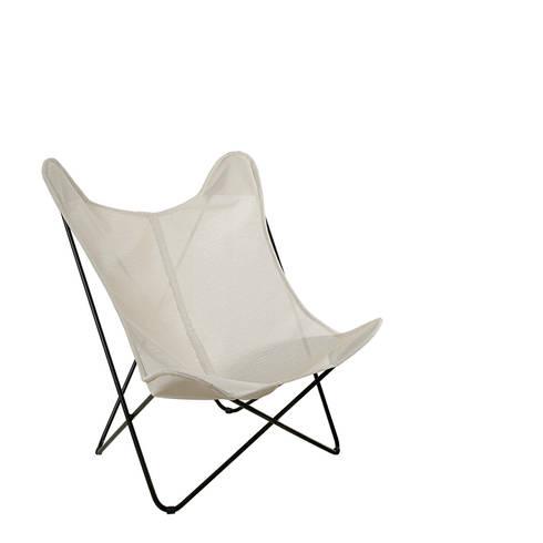 Cadeira Borboleta: Casa  por Boa Safra