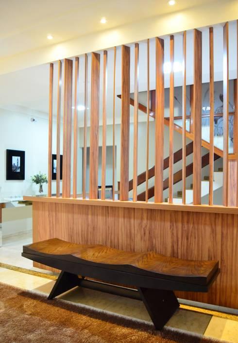 Escritório Contabilidade: Edifícios comerciais  por TRES MAIS arquitetura
