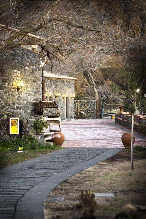 Jardines de estilo moderno de Studio Associato La Mela