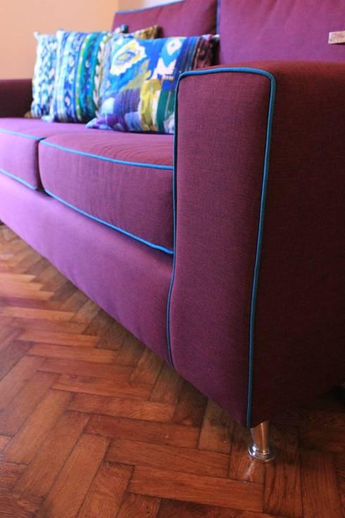 Sofas a Medida: Livings de estilo moderno por Muebla