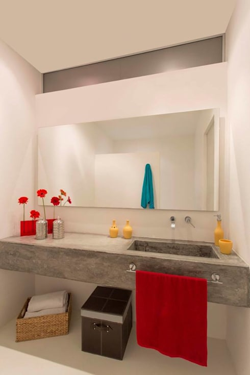 Casa Galeria: Baños de estilo  por Giovanni Moreno Arquitectos