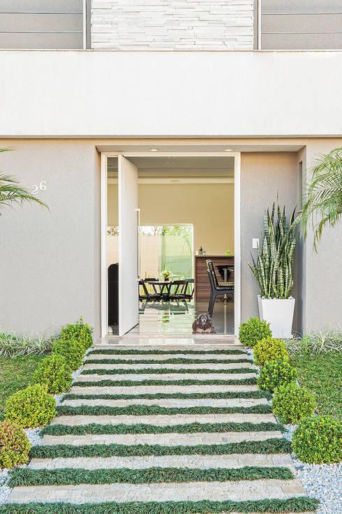 منازل تنفيذ Patrícia Azoni Arquitetura + Arte & Design