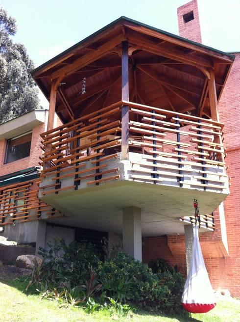 Gazzebo B17: Casas de estilo minimalista por Vertice Oficina de Arquitectura