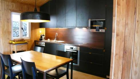 Cozinha: Cozinhas campestres por LOFTAPM II DESIGN DEC INTERIORES LDA